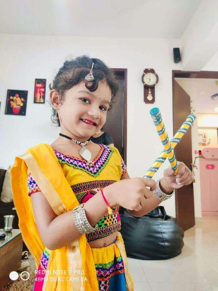 1st Prize Winner – Aaradhya Dabhade – K2 Homes – Kids Garba Costume Photo Contest – 2019 | aaradhya dabhade - kids garba costume photo contest – 2019