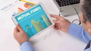 ULIP vs Mutual Funds: Similarities & differences ULIP vs Mutual Funds: Similarities & differences | ulip vs mutual funds: similarities & differences