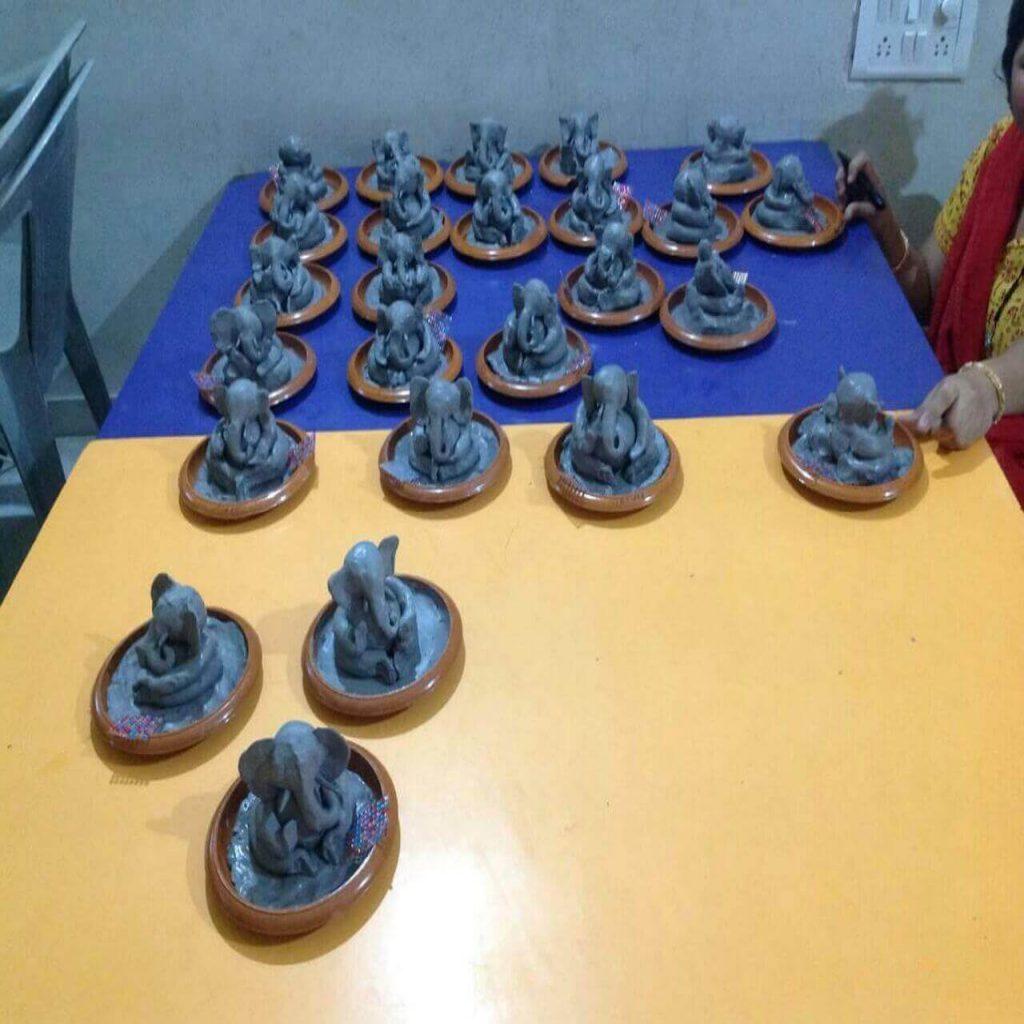 Ganesha idol creation, Learning tree aundh / creative kids